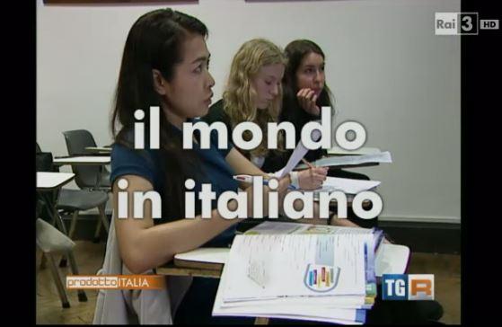 Immagine tratta dal servizio RAI. Attività didattica presso la Società Dante Alighieri.